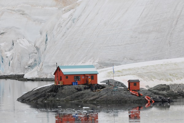 Earthrise: The effects of climate change in Antarctica